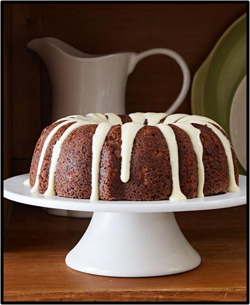 Spiced Apple Walnut Cake_HAPPYCOOKING
